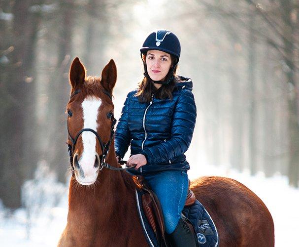 Konie w śniegu